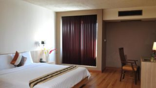 バンコク お奨めホテル ザ ユーロ グランデ ホテル (The Euro Grande Hotel)