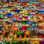 """バンコクお奨めのナイトマーケットは """"タラート・ ロットファイ・ ラチャダー"""""""